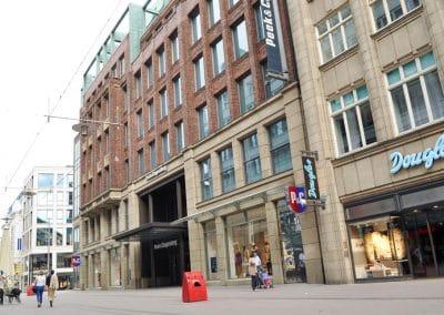 Marmor-Moeller-Fassaden-Hamburg-Naturstein-11