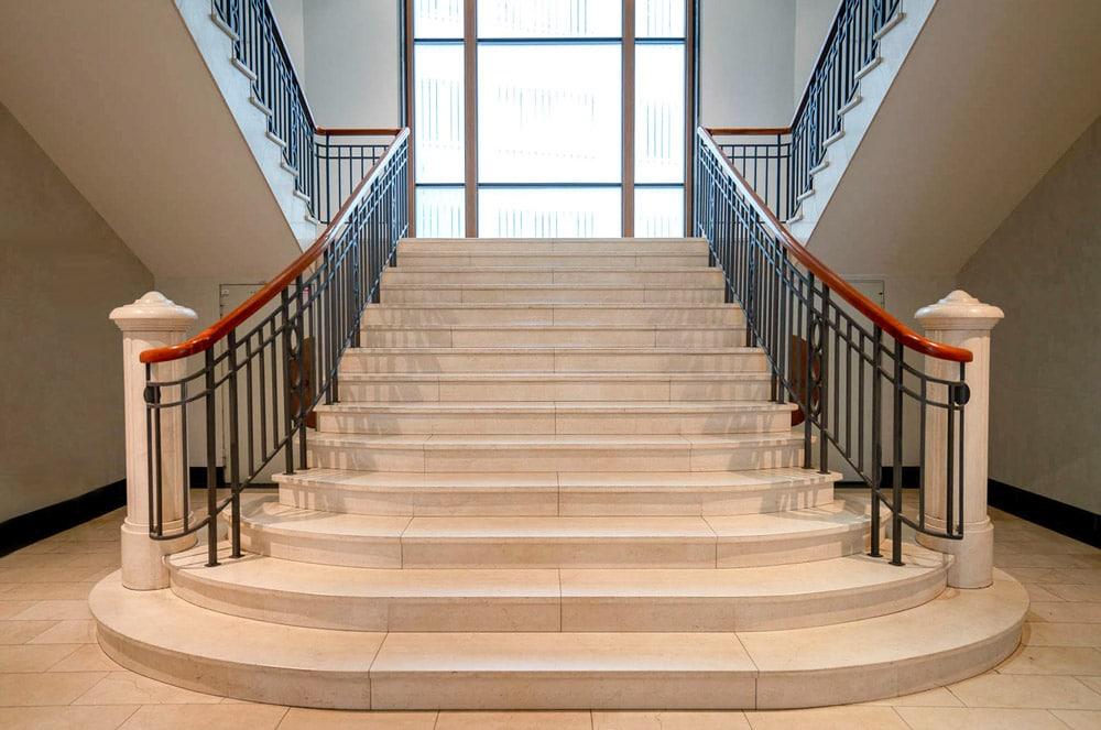 Treppen aus Naturstein von Marmor-Moeller